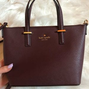 GREAT CONDITION KATE SPADE MAROON BAG.